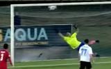 Video: Šajās dienās notiekošajā futbola čempionātā gūst efektīgus vārtus