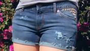 Videopamācība: Kā novalkātus džinsus pārvērst seksīgos šortos