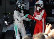 """Rosbergs oficiāli ielūdz Fetelu uz """"Mercedes"""" izjautāšanu"""