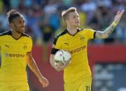 """Dortmundes """"Borussia"""" atkal grauj ar 4:0 un iegūst vadību turnīrā"""