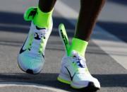 """Berlīnes maratona uzvarētājs vaino """"Nike"""" apavus, jo nav sasniedzis pasaules rekordu"""
