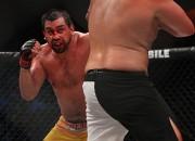 MMA veterāns Pols Buentello nokautē Remo Tjeri Sokadžu
