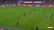Video: Rudņevs ieraida bumbu ''Bayern'' vārtos, taču golu neieskaita