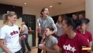 Video: Basketbolistes par istabas biedreņu raksturiem un dzīvošanu kopā