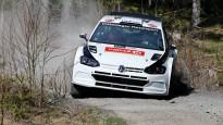 Latvijas rallija čempionāta līderis aizvada pirmos grants testus ar ''VW Polo R5''