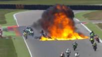 Trases vidū eksplodē nokritusi motocikla bāka