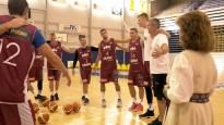 Latvijas basketbola izlase piedalās Lāča spēka rituālā