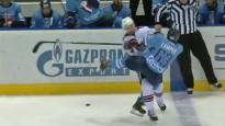 """KHL sezonas spēka paņēmienos arī """"dinamietis"""" Gilīss"""