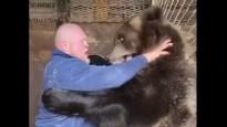 MMA cīkstonis pieveic lāci