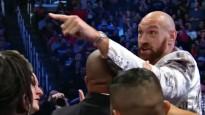 Fjurijs ierodas WWE šovā un kļūst agresīvs, apsargu komanda viņu aptur