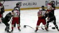 Salija un Skvorcovs iesaistās VHL kautiņā
