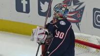 Merzļikins pirmoreiz atvaira visus metienus NHL mačā