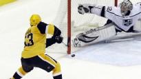Bļugeram būtiska loma NHL sezonas atvairījumu topā