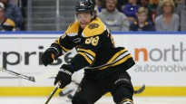 NHL snaiperis, kurš nemācēja … mest