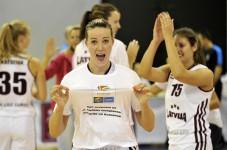 Latvija uzvar Igauniju un izcīna pirmo vietu