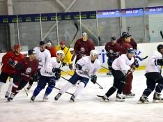 Latvijas izlases kandidāti gatavojas jaunajai hokeja sezonai