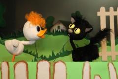 """Video: Notikusi """"Slavenais pīlēns Tims"""" pirmizrāde Leļļu teātrī. Izrādes fragmenti"""