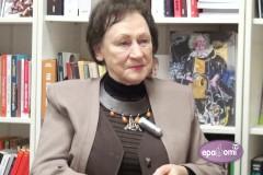 Video: Rakstniece Māra Svīre: Vienkārši norīt informāciju nav jēga - ir jādomā!