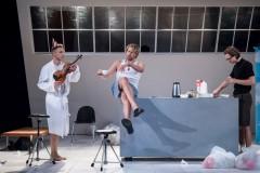 Video: ZĒNI Dailes teātrī. Izrādes fragmenti