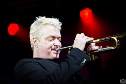 Kriss Boti – zvaigžņu vakars uz Dzintaru koncertzāles skatuves