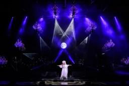Sākusies Sāras Braitmenas karaliskā Ziemassvētku koncertturneja