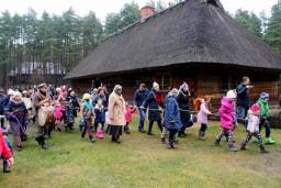 Latvijas Etnogrāfiskais brīvdabas muzejs aicina uz Ziemas saulgriežu svinībām un Bluķa vakaru