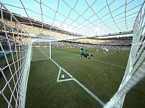 """""""Hawk Eye"""" Anglijas un Beļģijas spēlē Vemblija stadionā"""