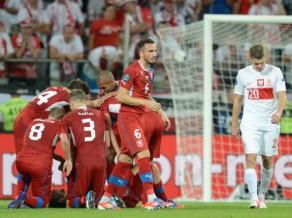 Čehija uzvar Poliju un triumfē grupā, mājiniece izstājas