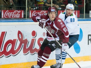 """Zīle: """"Esmu iegājis spēļu ritmā un pielāgojies KHL"""""""