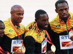 Komandas biedru diskvalificē par dopingu, Boltam atņem olimpisko zeltu