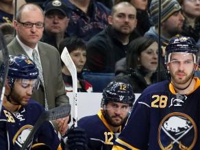 """Sabres"" atlaiž gan galveno treneri, gan ģenerālmenedžeri"