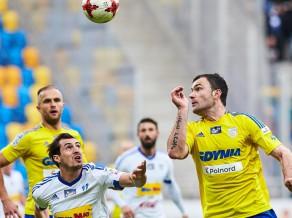Latvijas futbolistu klubi nonāk briesmās Polijas Ekstraklasē