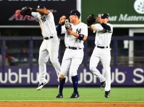 """""""Yankees"""" ar uzvaru sāk maču sēriju pret """"Red Sox"""""""