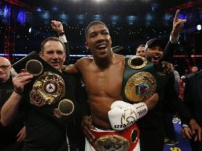 WBA un IBF čempions Džošua būtu gatavs mačam ar MMA cīkstoni