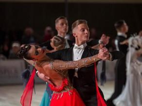 Divi Latvijas pāri desmitniekā Eiropas čempionātā jauniešiem Standartdejās