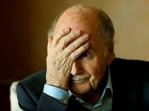 Diskvalificētais bijušais FIFA prezidents Blaters neapmeklēs Pasaules kausa atklāšanas maču