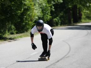 ''Zviedru Cepures'' longbordu nobrauciena sacensībās ātrākais Ralfs Gailītis
