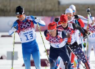 Krievija distanču slēpošanā aizņem visu pjedestālu un triumfē medaļu ieskaitē