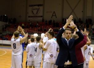 """Gludītim 33 punkti, """"Jelgava"""" iemet 98 un šokē """"Valmieru"""""""