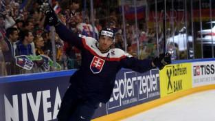 """Slovākijas izlases uzbrucējs: """"Nesaprotu, kā KHL vispār ļauj """"Slovan"""" turpināt spēlēt"""""""