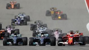 """Hamiltons uzvar Ostinā, """"Mercedes"""" izcīna Konstruktoru kausu"""