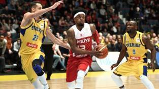 Situāciju Latvijas grupā vēl vairāk sarežģī Zviedrijas negaidītā uzvara pār Turciju