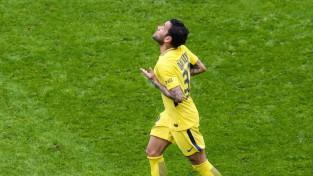 Alvess 82. minūtē izrauj PSG uzvaru Nicā