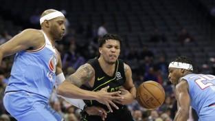 """""""Hornets"""" sestā lielākā uzvara NBA vēsturē, protestētāji aizšķērso ieejas """"Kings"""" spēlē"""