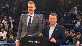 """""""Knicks"""" atceļ plānus un maču pret Bertānu un """"Spurs"""" neveltīs Latvijas tematikai"""