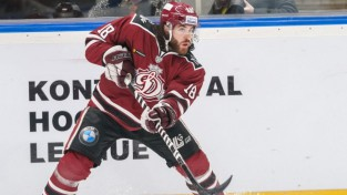 """Rezultatīvākais """"dinamietis"""" Majone atzīts par KHL nedēļas labāko aizsargu"""