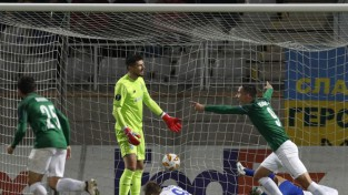 """Ikaunieks debitē EL grupu turnīrā un palīdz izraut neizšķirtu pret Kijevas """"Dynamo"""""""