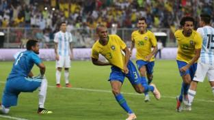 Brazīlija kompensācijas laikā izrauj uzvaru pārbaudes mačā pret Argentīnu