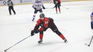 Jeļisejevs uzvar Ozoliņu VHL spēlē, Birziņš piespēlē