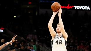 """Bertānam trīs tālmetieni otrajā puslaikā, """"Spurs"""" viesos apspēlē Minesotu"""